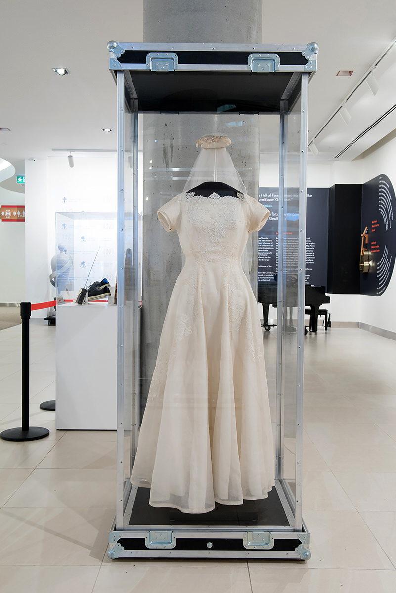 Wedding dress worn by k.d. lang, Object ID: 1507, National Music Centre