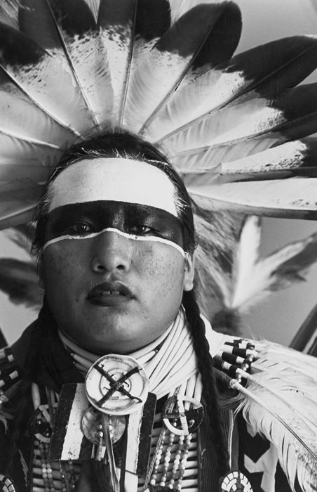 Jeff Thomas, Timothy L. White Eyes, Lakota Traditional Dancer, Hobbema, Alberta (1991). Photograph.